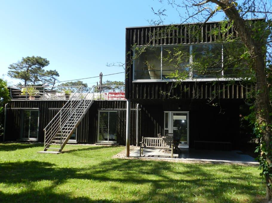belle villa d 39 architecte proche de la plage houses for rent in biscarrosse aquitaine limousin. Black Bedroom Furniture Sets. Home Design Ideas
