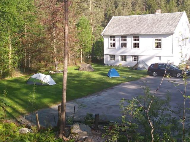 Songesand Camp i Lysefjorden - privat rom.