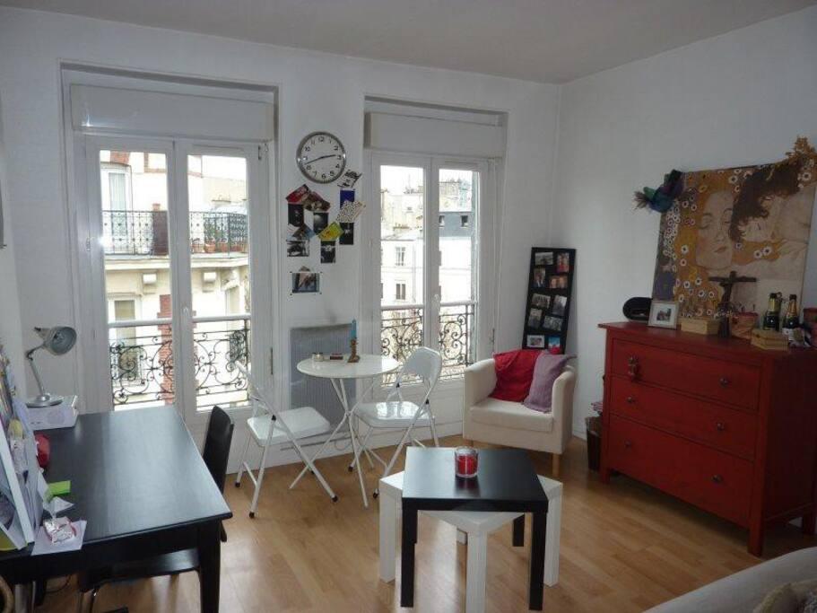 studio charmant proche montparnasse appartements louer paris le de france france. Black Bedroom Furniture Sets. Home Design Ideas