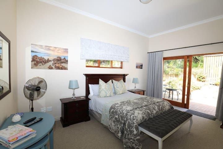 Charming Double Room in the Knysna Woods