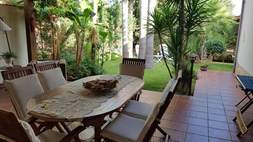 VILLA PERLA 40mt to BEAUTIFUL BEACH - Piana Calzata - Rumah