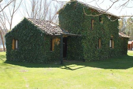 Casa de Campo junto al río Tajo - Guadalajara - Haus