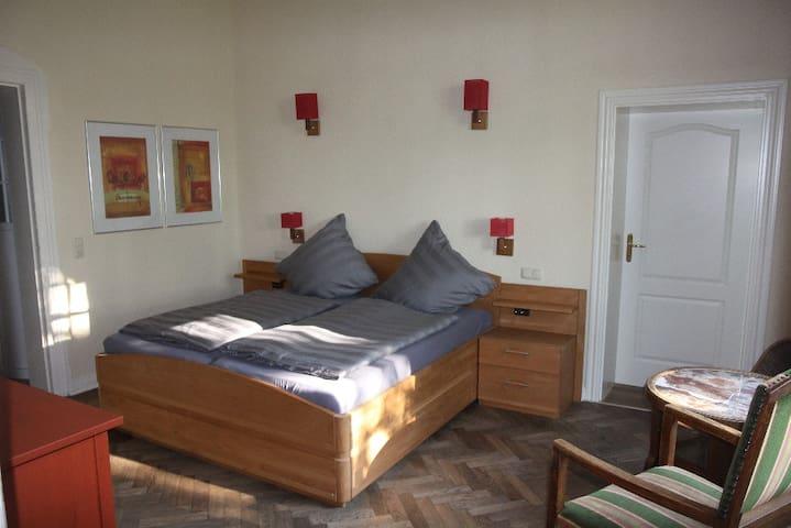 Schlafzimmer 2 -  2 Betten, insgesamt 180*190 cm