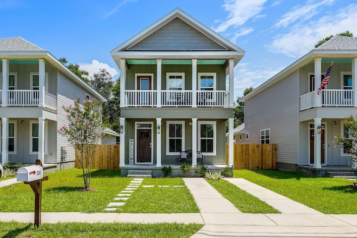 Brand New Home - Beautifully Decorated and Close to Downtown Pensacola - Perfect for Families