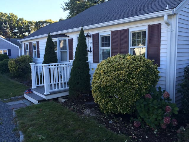 Updated Seaside Park beach house, beach access A/C