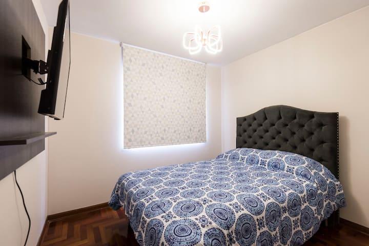 Enjoy Miraflores at cozy room/bath 1 ac