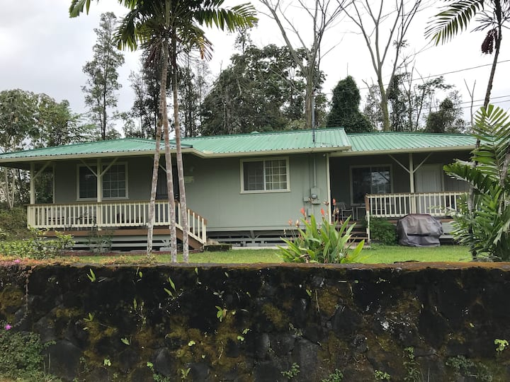 Cozy 3 bedroom house 20 minutes from Hilo