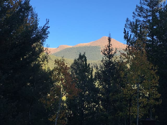 Cozy A-Frame with Stunning Views of Pike's Peak