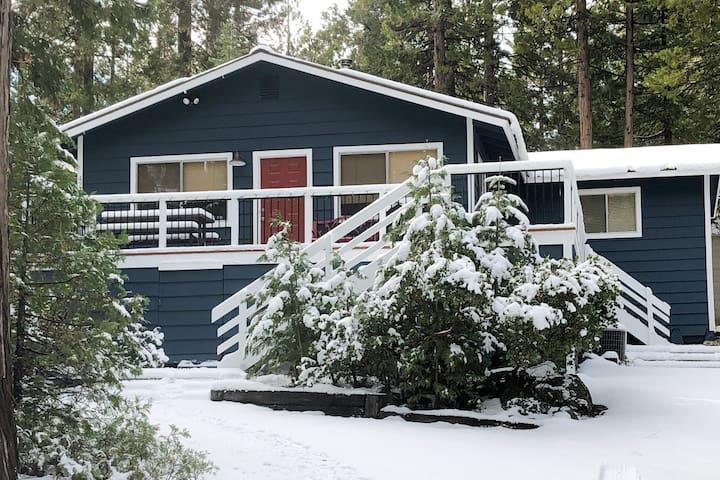 Shaver Lake East Village Cottage