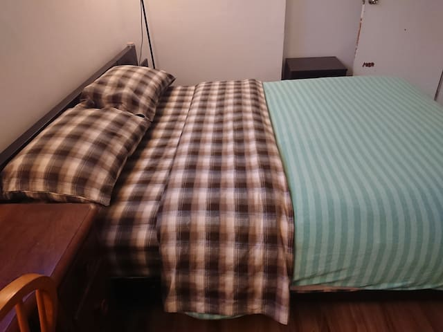 Large & comfy queen sized bed @QueenWest/Ossington