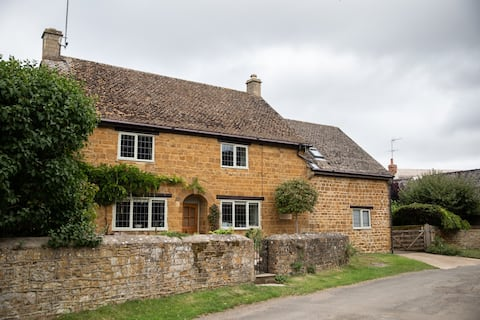 Newly Restored Cotswold Stone Annexe