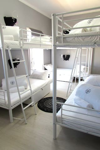 Quarto Partilhado Hostel para 8 pessoas, Ar Cond.
