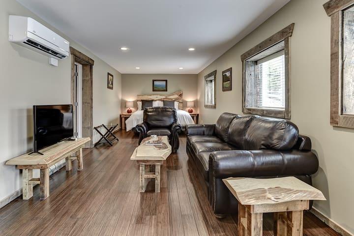 Waynesville, NC Apartment ~ Cornerstone