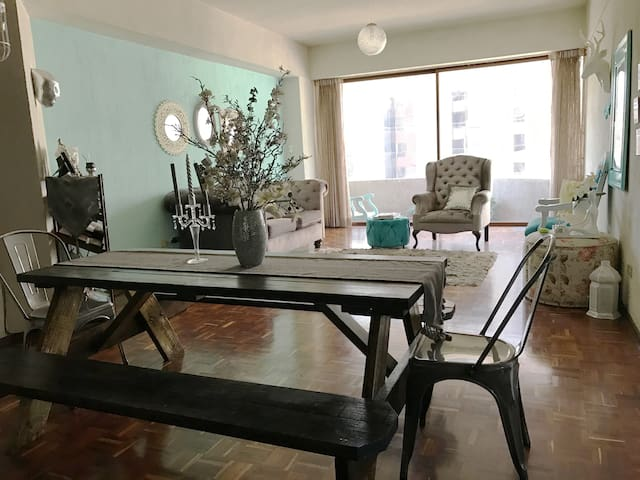 Friendly Cute Clean Convenient Apartment, Zone 10 - Guatemala - Apartment
