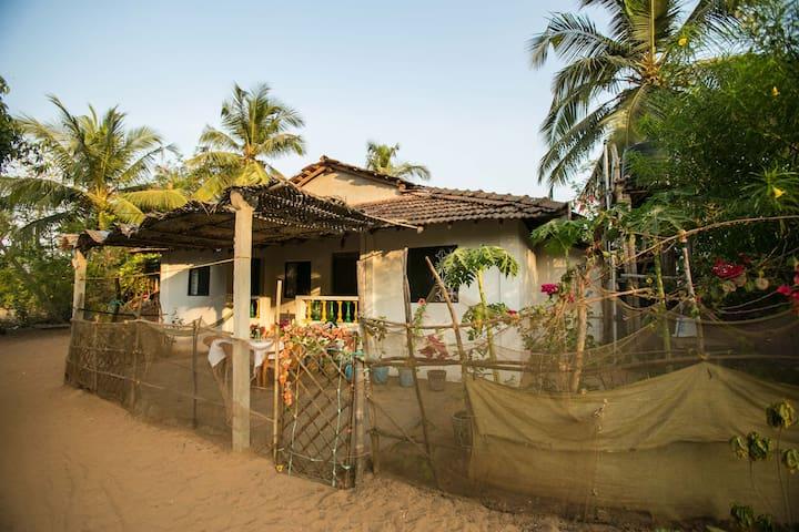 Cozy 2BD Patnem Beach House - Canacona - Hus