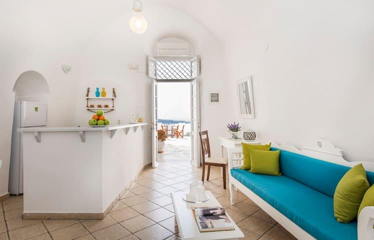 Traditional House in Imerovigli - Imerovigli - Apartment