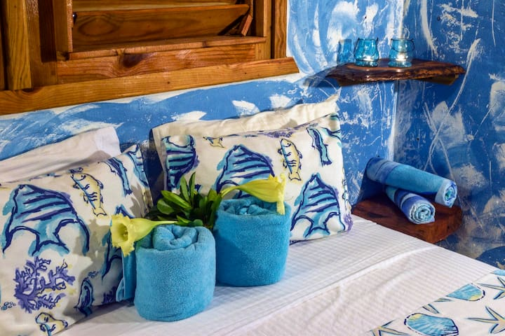 Chalet Tropical B&B blue double room #4