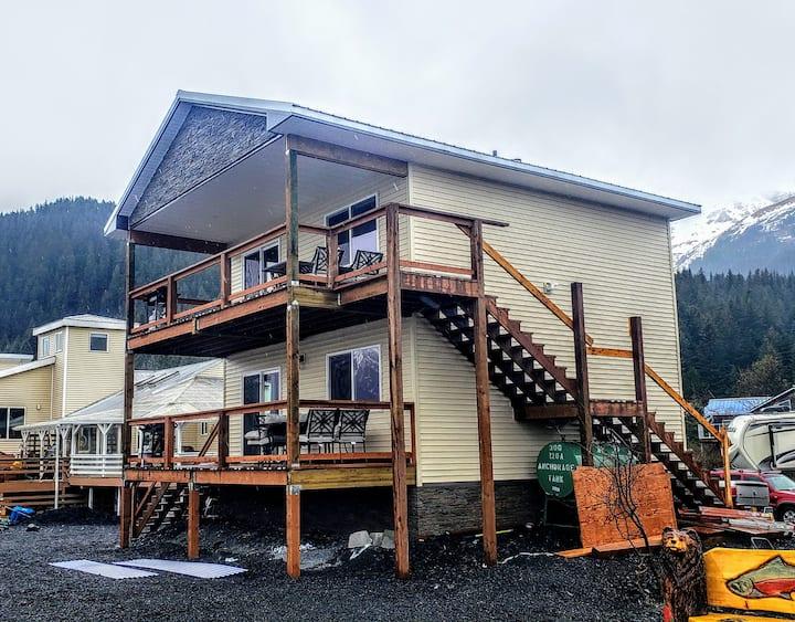 Oceanfront Inn Duplex (Upstairs Suite)