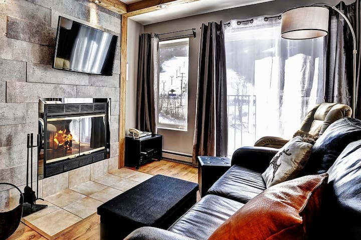 Condo 1 chambre ski-in/out à Stoneham! - Stoneham-et-Tewkesbury - Appartement