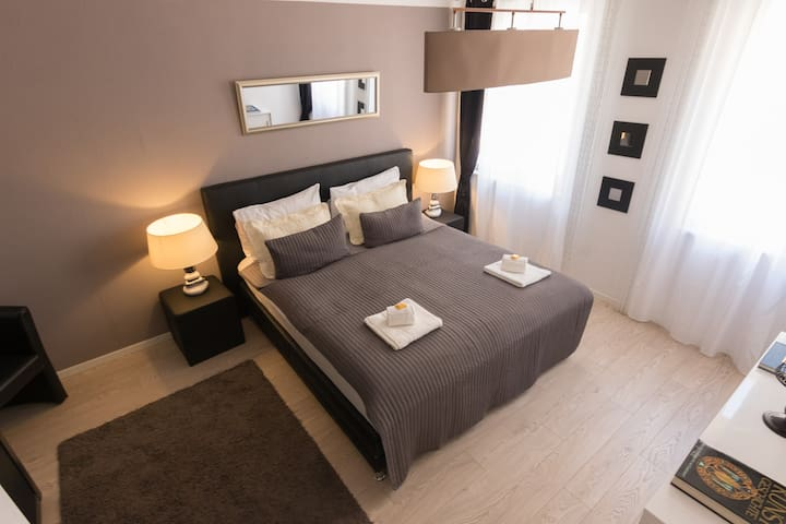 ELEGANT CITY CENTER APARTMENT , 45m²