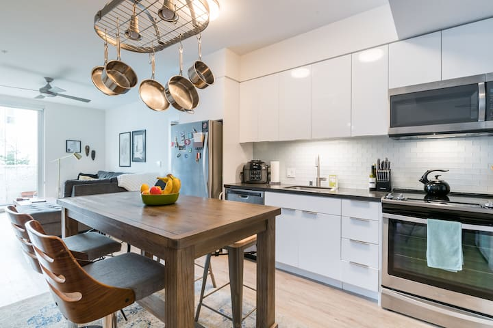 Luxury SOMA Apartment in exclusive complex