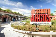 Distrito Arcos outdoor shopping mall