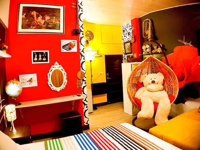 4人,旋律四人房~渡假出遊台南小吃靠近車站成功大學, 最最漂亮的房間。