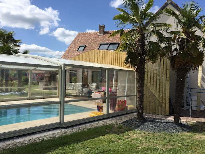Maison 12 pers, piscine chauffée, zoo & châteaux