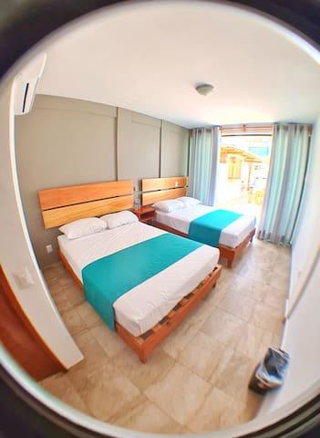 Habitación Cuadruple2 A/A. Hotel Casa Shula