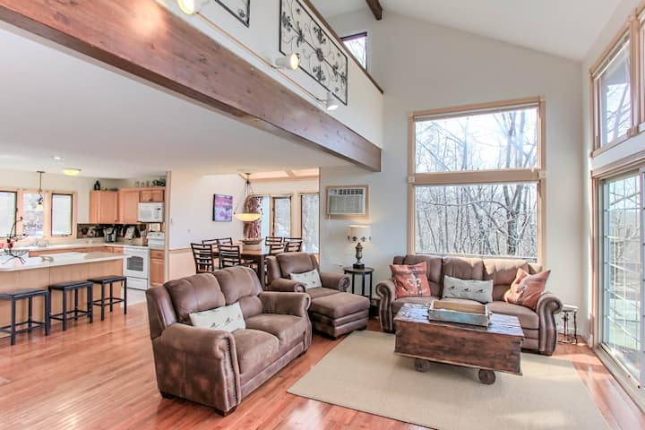 Spectacular View - 4 Level Townhome - New Remodel