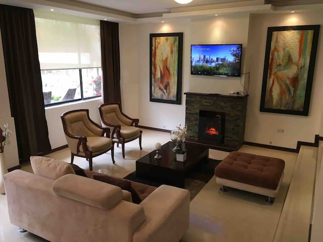 Comfortable & modern apartment at North of Quito
