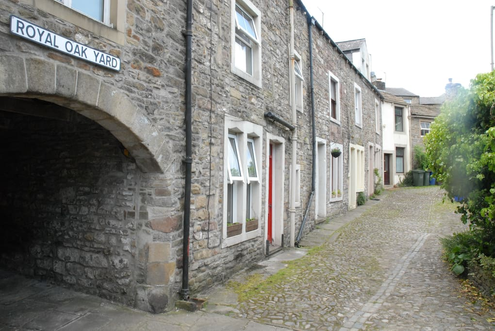 Located 2 minutes from Skipton high street