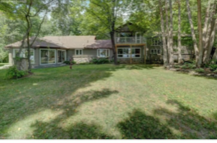 Beautiful Rental in Bobcaygeon on Kawathra Lakes