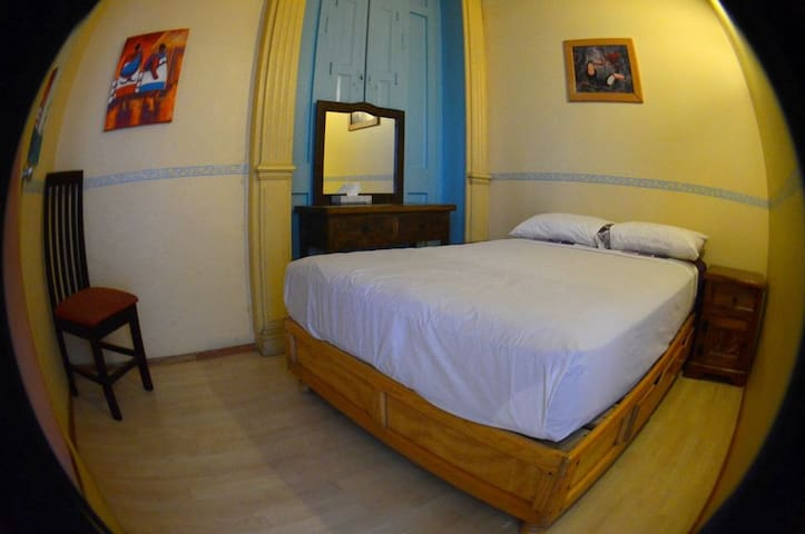 Hostal Zocalo 1 - Mérida - Bed & Breakfast