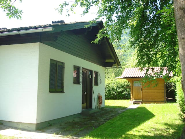 Gemütlicher Bungalow mit eigenem Seestrandbad - Bodensdorf - Bungaló