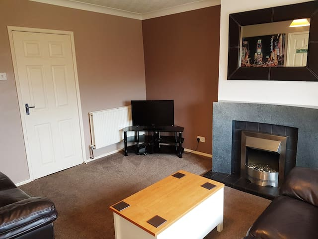 Large 2 Bed Modern Apartment: Poulton Blackpool