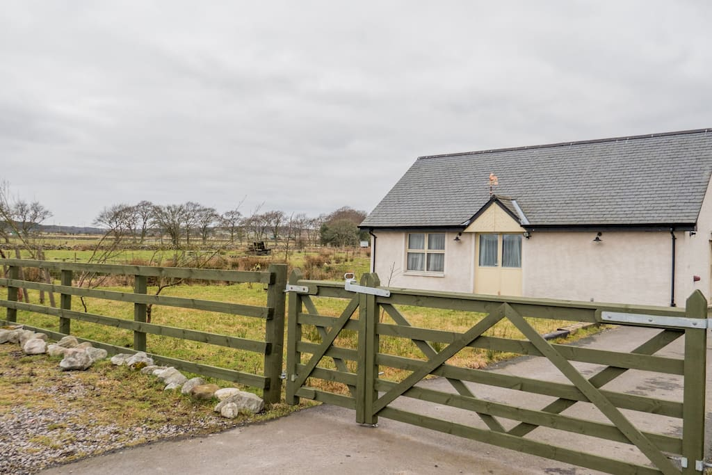 Cottage has garden with picnic area and is fenced in for extra safety for children and pets.