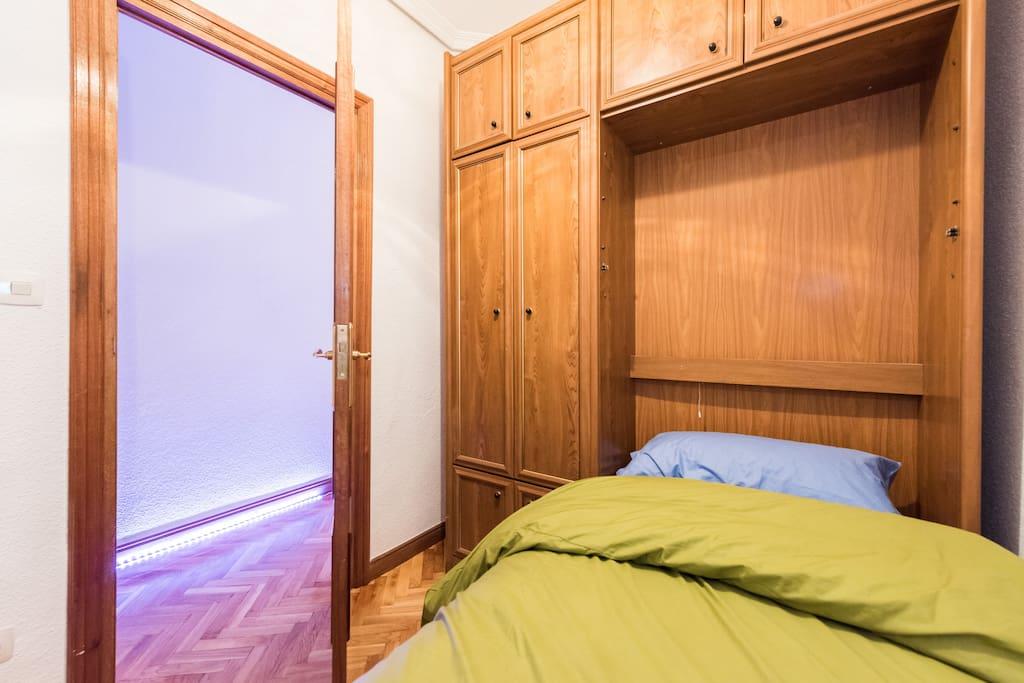 Habitaci n individual apartments for rent in madrid for Habitacion cuadruple madrid