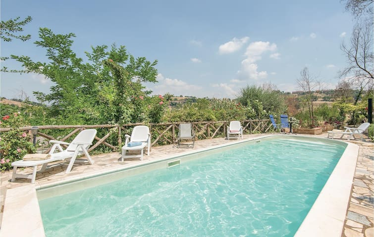 Holiday cottage with 6 bedrooms on 200 m² in Magliano Sabina -RI-
