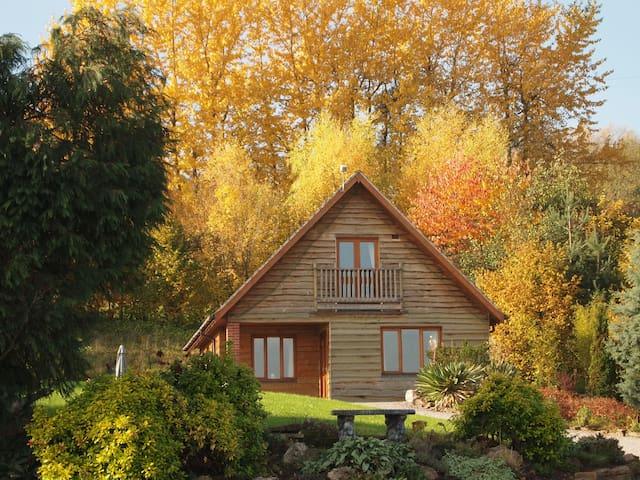 Woodpecker Lodge @ Pitlands Farm