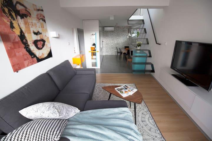 Design and bright apartment in Solkan