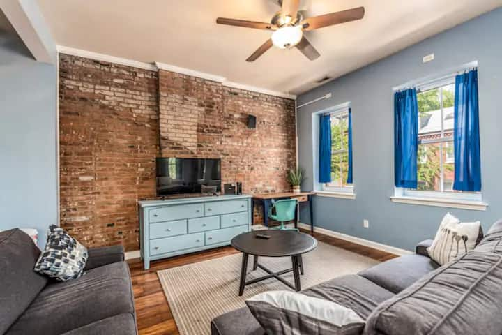 Historic Soulard Studio Apartment