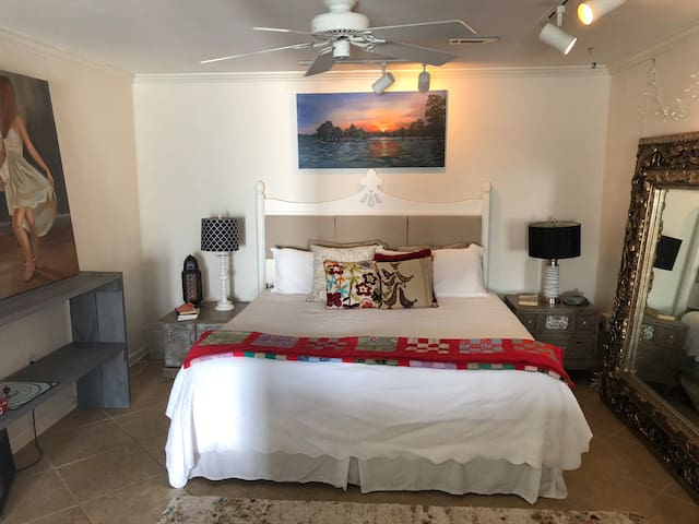 The Apartment - Your Private Oasis - 5 min to I 65