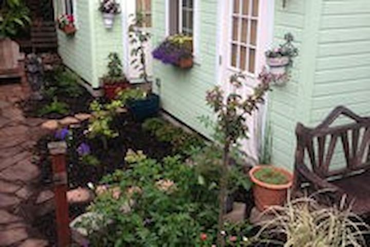 Beautiful Garden Cottage (L) - Berkeley - Cabaña