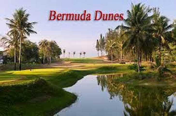 Coachella Music_bedroom  Cntry Club - Bermuda Dunes - Huis