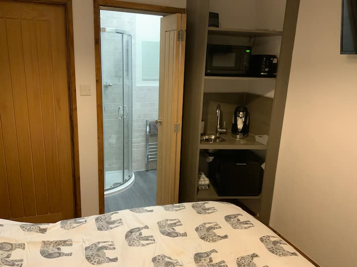 Self contained room with private entrance