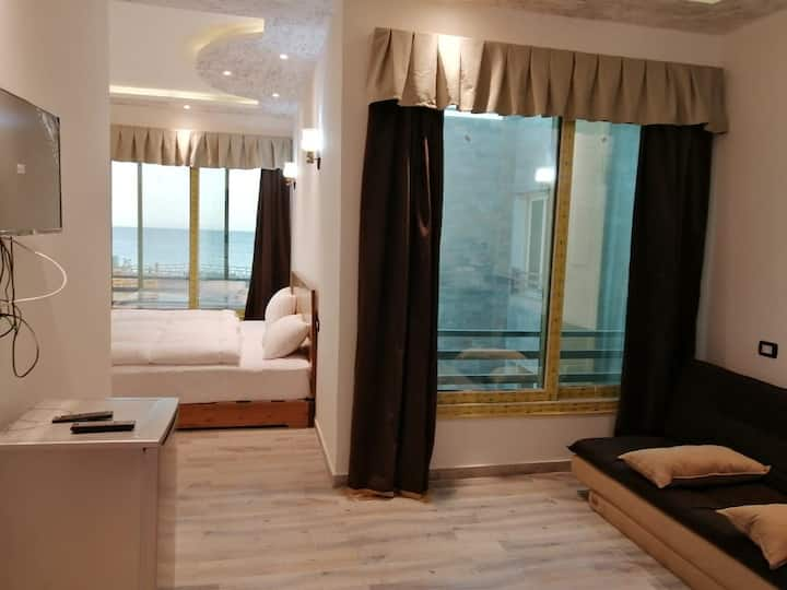Rooms sea view 2-3 person g8 location Eel garde