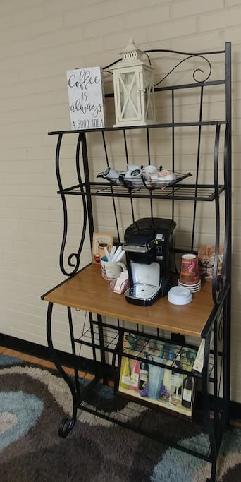 Deluxe Coffee and Tea Station
