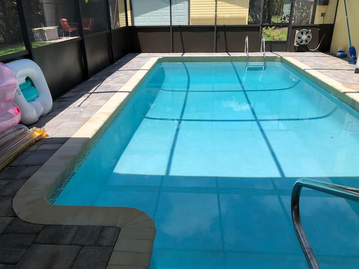 Waterfront near St.Johns River with Screened Pool