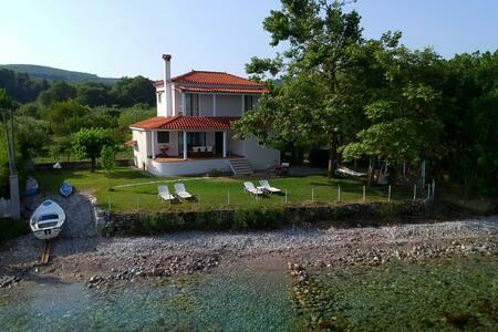Seaside villa in Greece